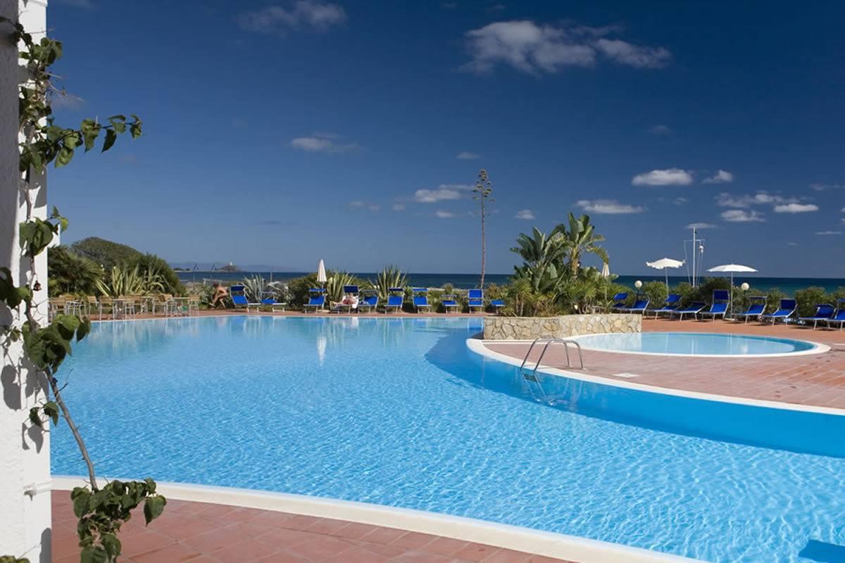 Offerte in Sardegna estate 2020 in albergo 4 stelle sul mare Hotel Flamingo
